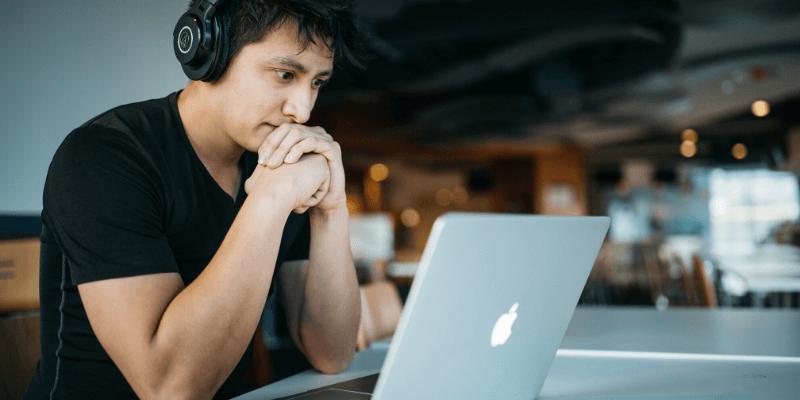 estudiante MacBook